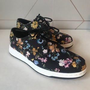 Dr. Martens Darcy Floral Cavendish Canvas Shoes